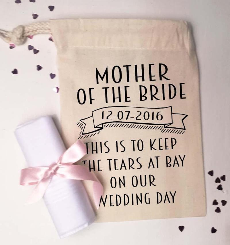 Wedding mom cry